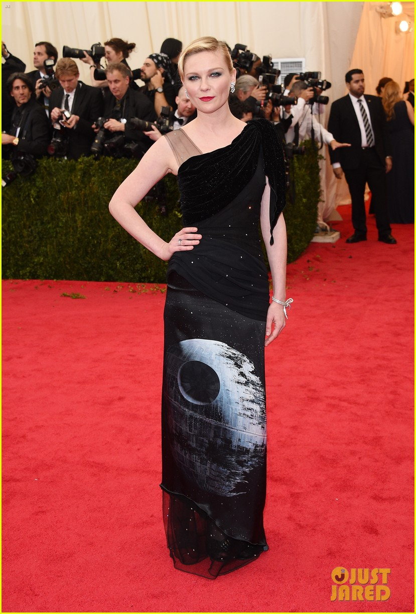 kirsten dunst met ball 2014 red carpet 01