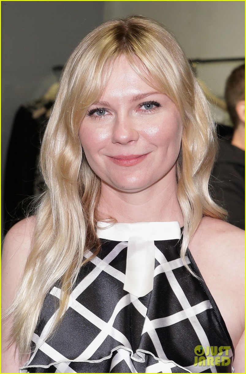 kirsten dunst is rodarte ready for met ball 023105746