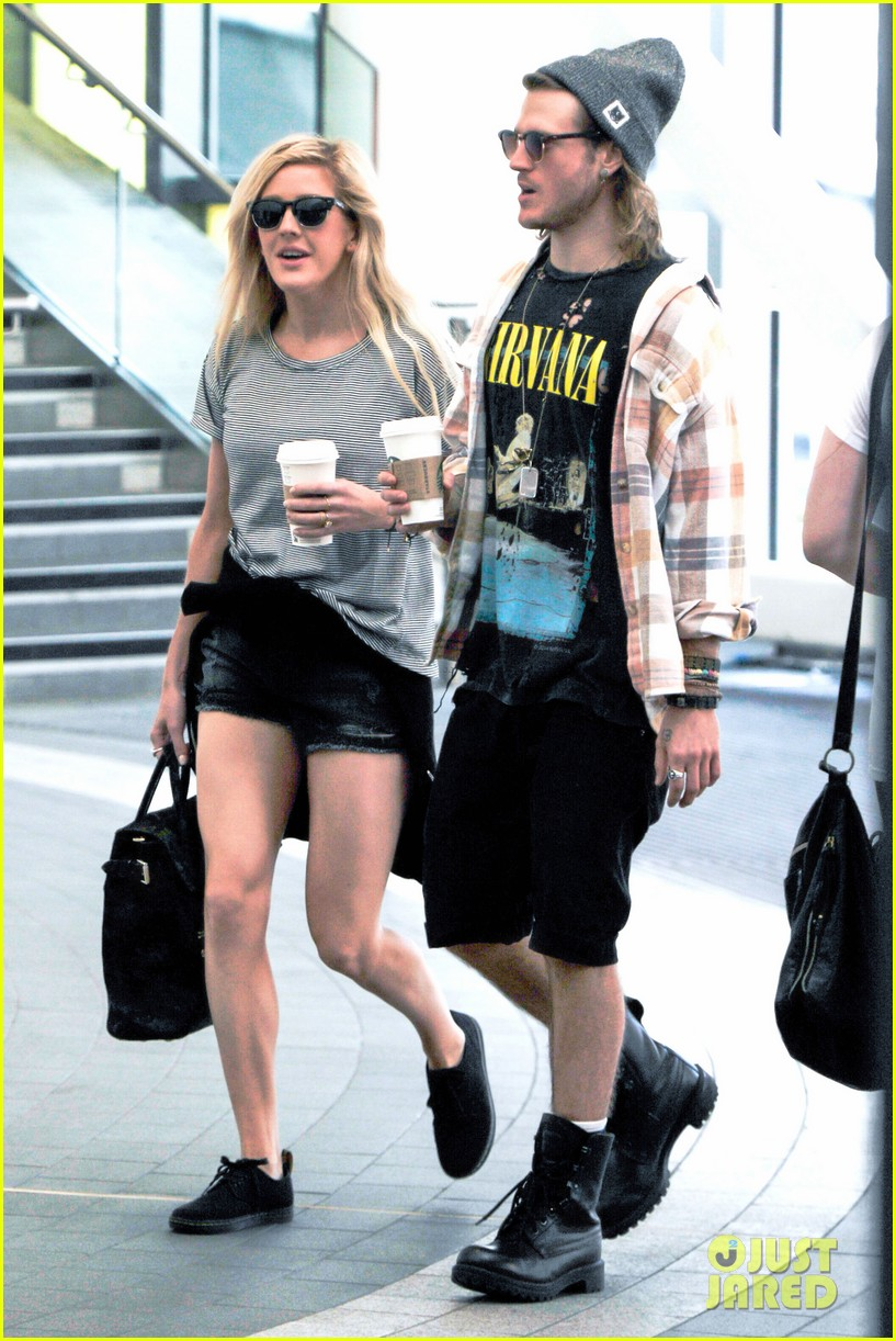 ellie goulding dougie poynter hands food 20