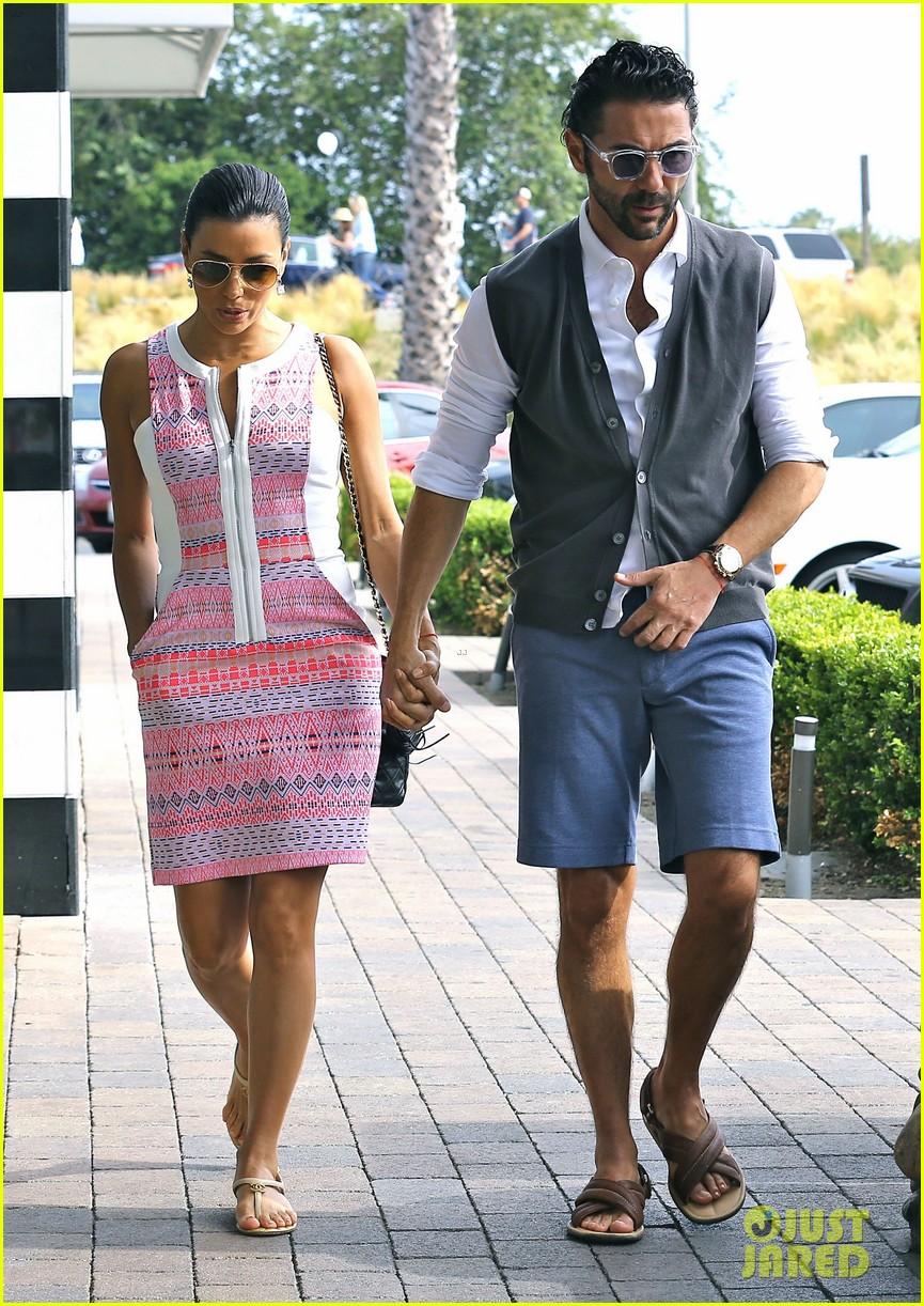 eva longoria cozy shopping boyfriend jose antontio baston 023122014