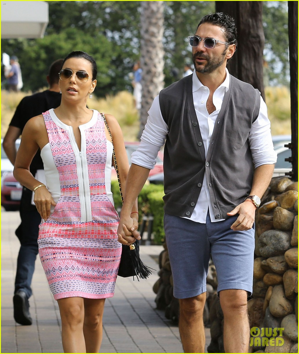eva longoria cozy shopping boyfriend jose antontio baston 213122033