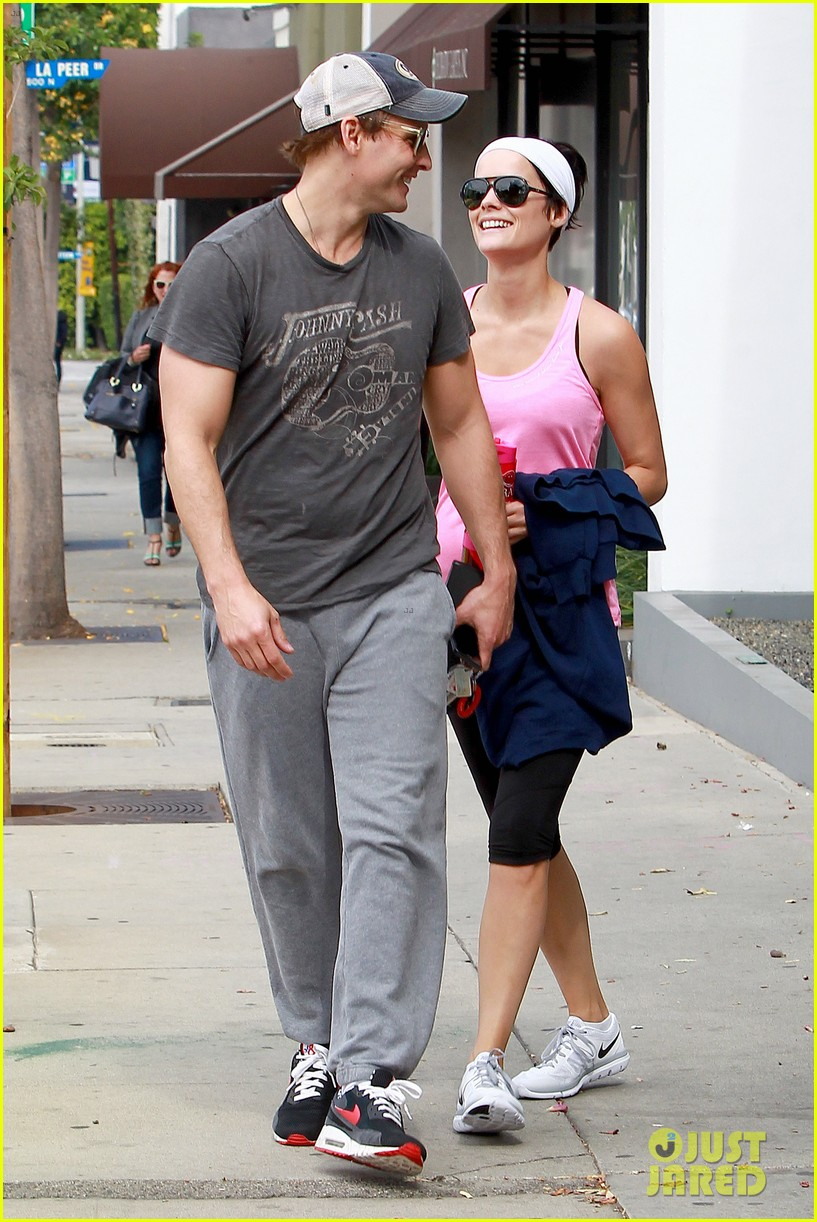 peter facinelli jaimie alexander kiss goodbye after workout 073124946