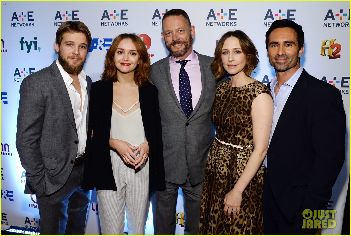 vera farmiga bates motel cast step out at ae upfronts 18