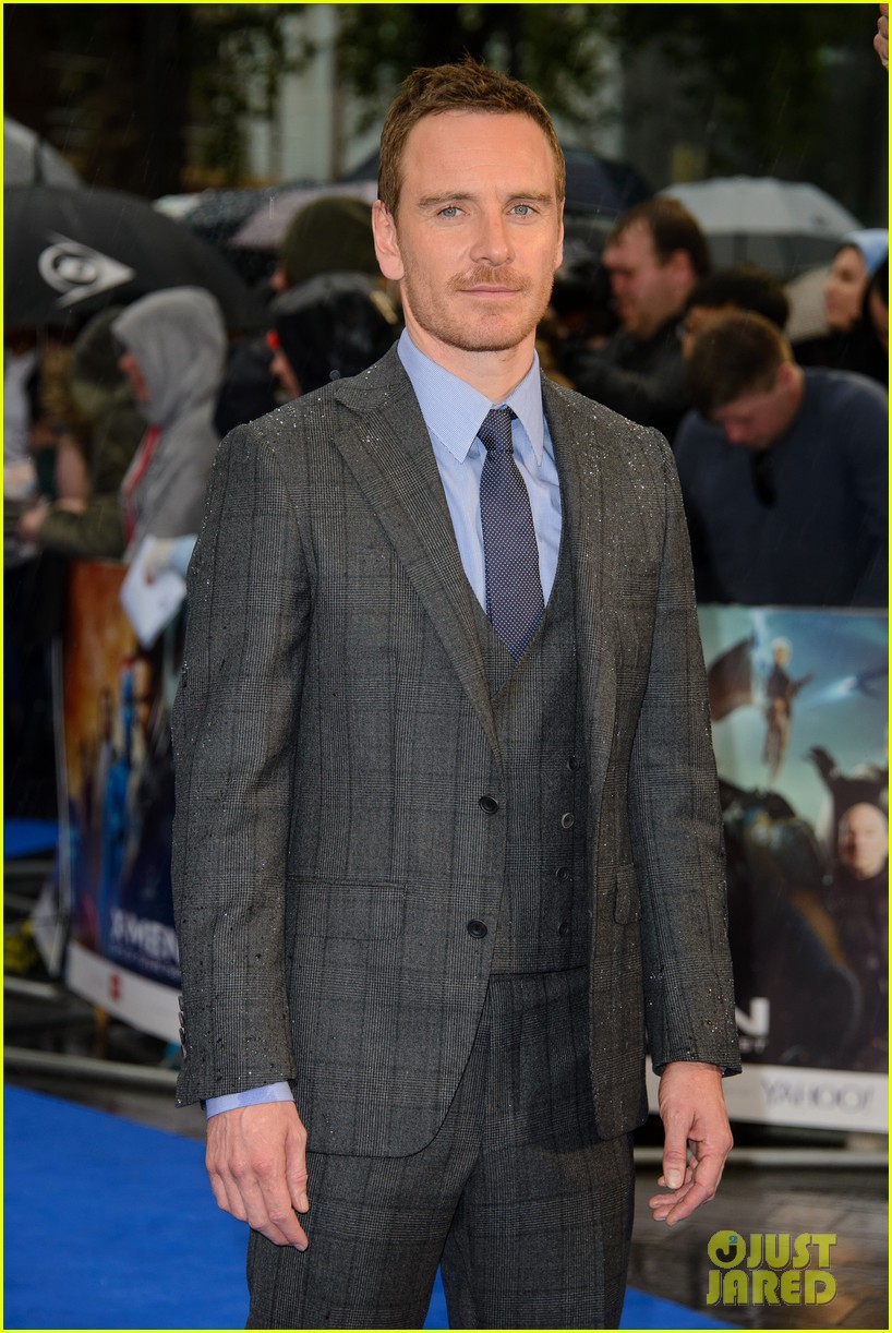 michael fassbender james mcavoy x men london premiere 14