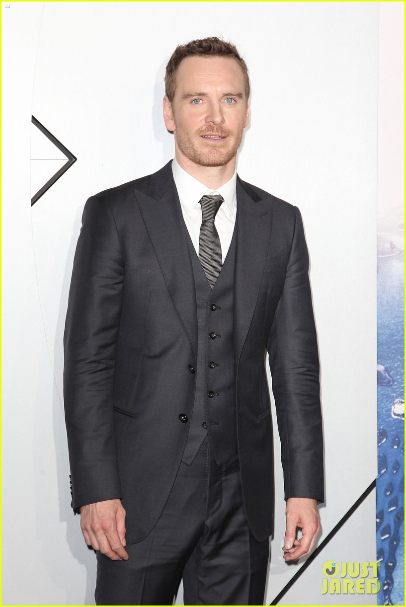 michael fassbender james mcavoy x men premiere 103110560