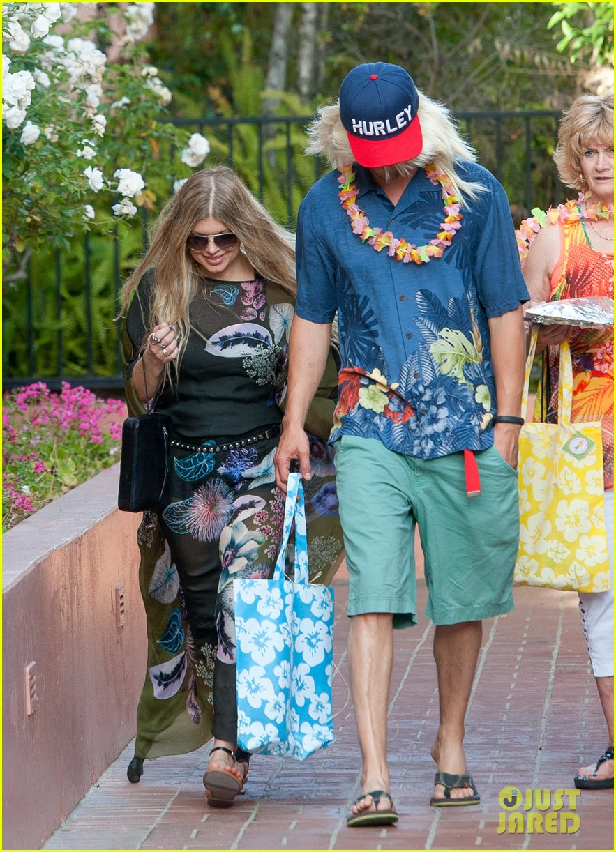 Fergie & Josh Duhamel Dress Up for Surfing Themed Party!: Photo ...