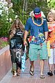 fergie josh duhamel dress up for surfing themed party 05