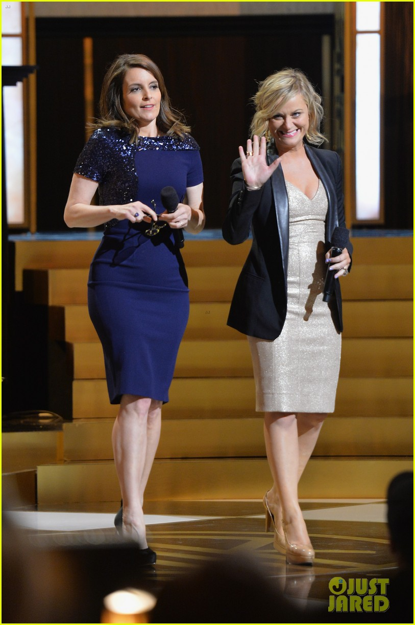 tina fey amy poehler reunite on stage for don rickles one night only all star comedy tribute 03