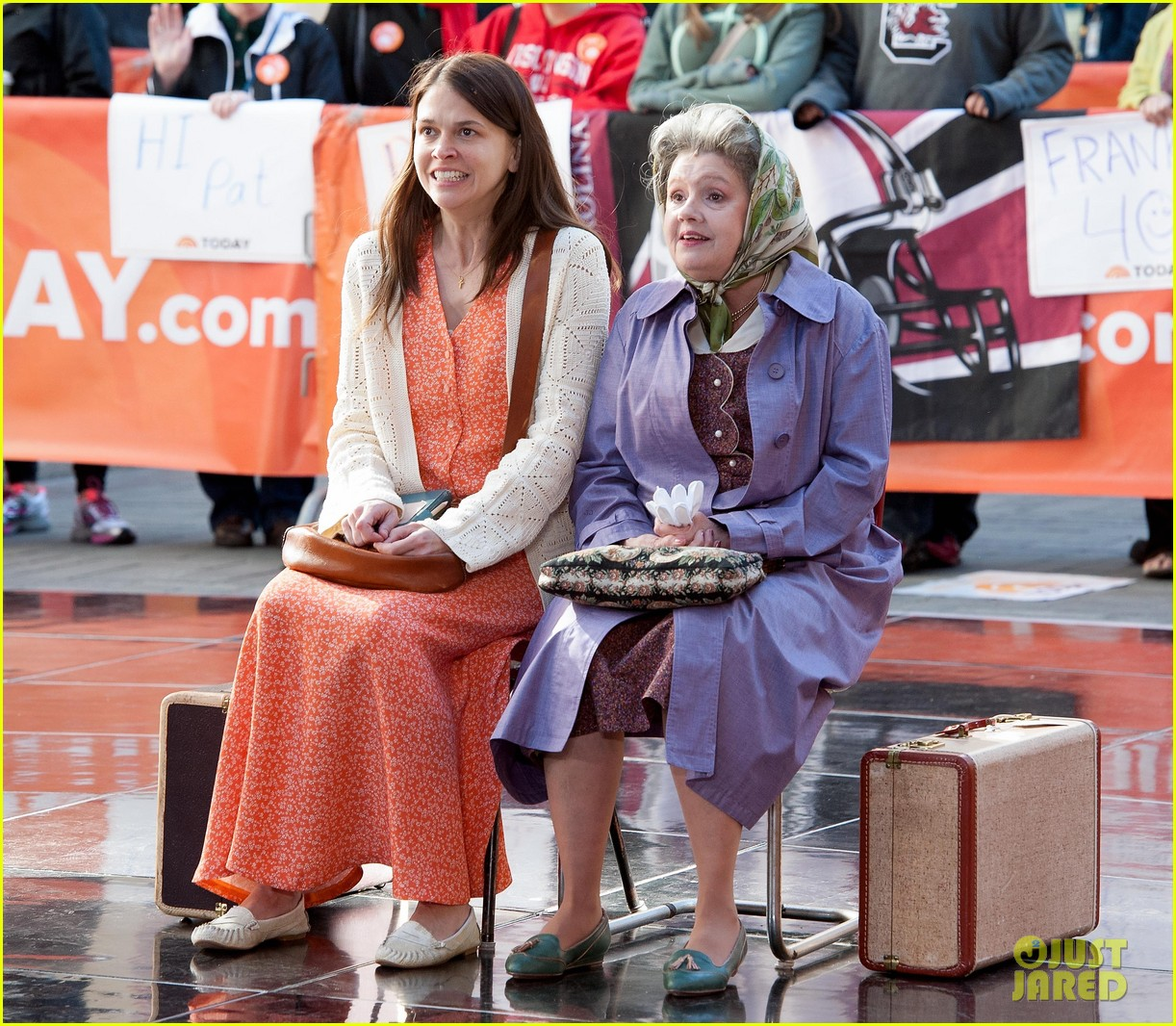 sutton foster performs on my way with cast of violet on the today show watch now 01