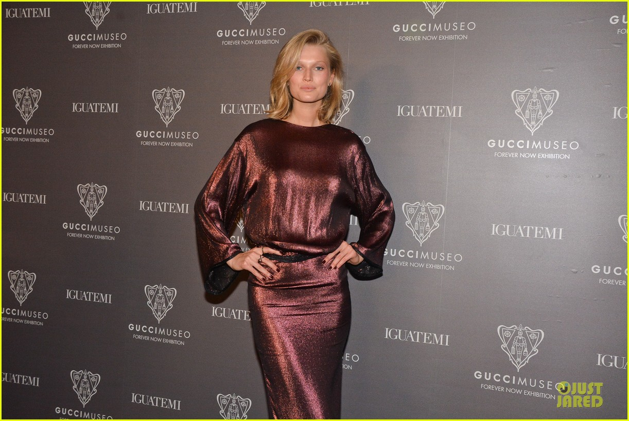 toni garrn sexy back at gucci museo exhibit 06