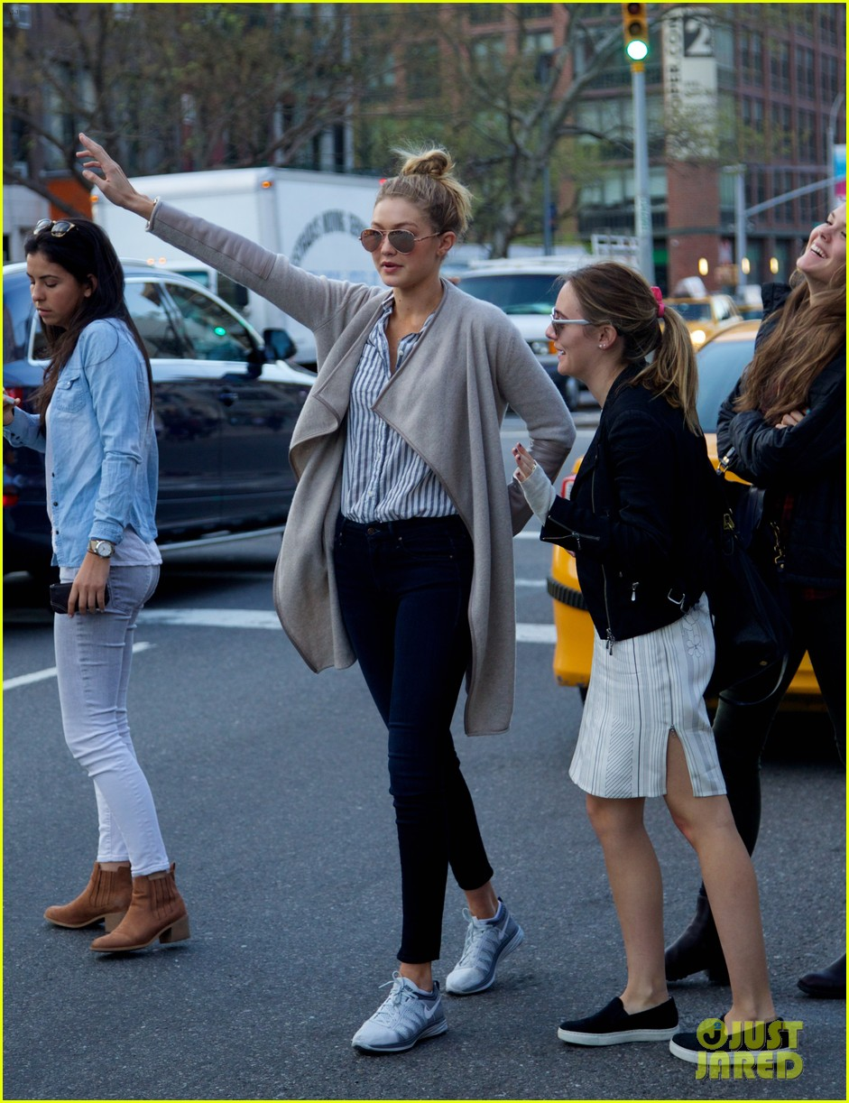 gigi hadid hail taxi late lunch 17