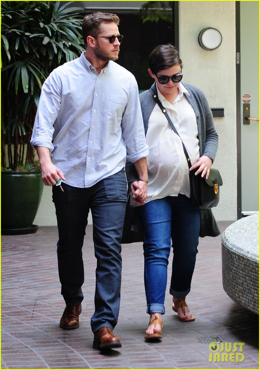 ginnifer goodwin looks like she could give birth any day now 13