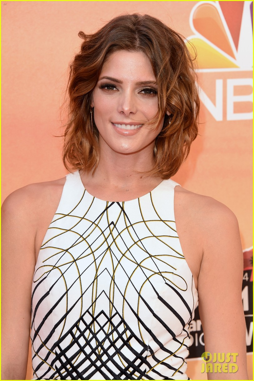 ashley greene iheartradio music awards 2014 02