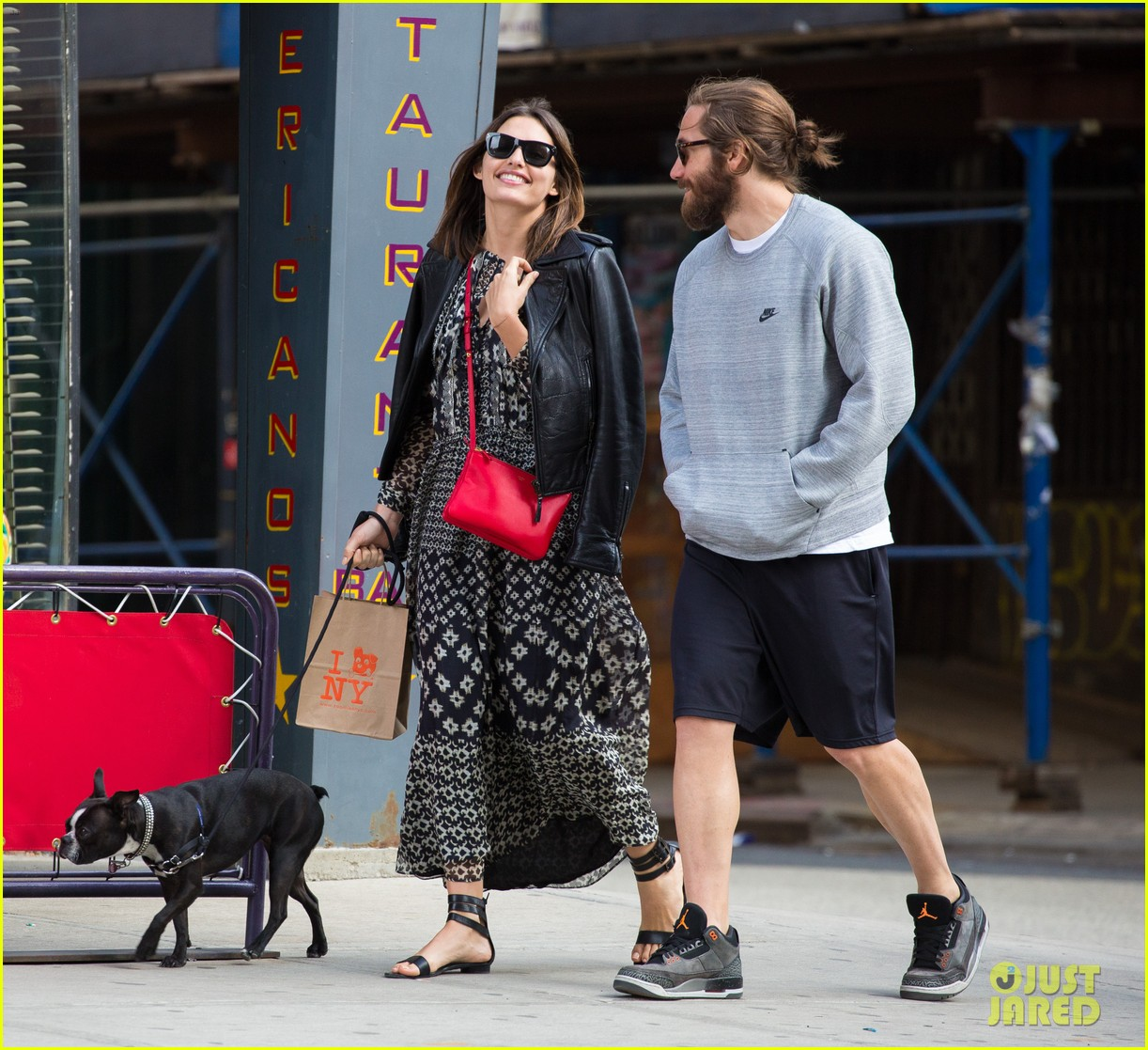 jake gyllenhaal alyssa miller first spotting in months 10