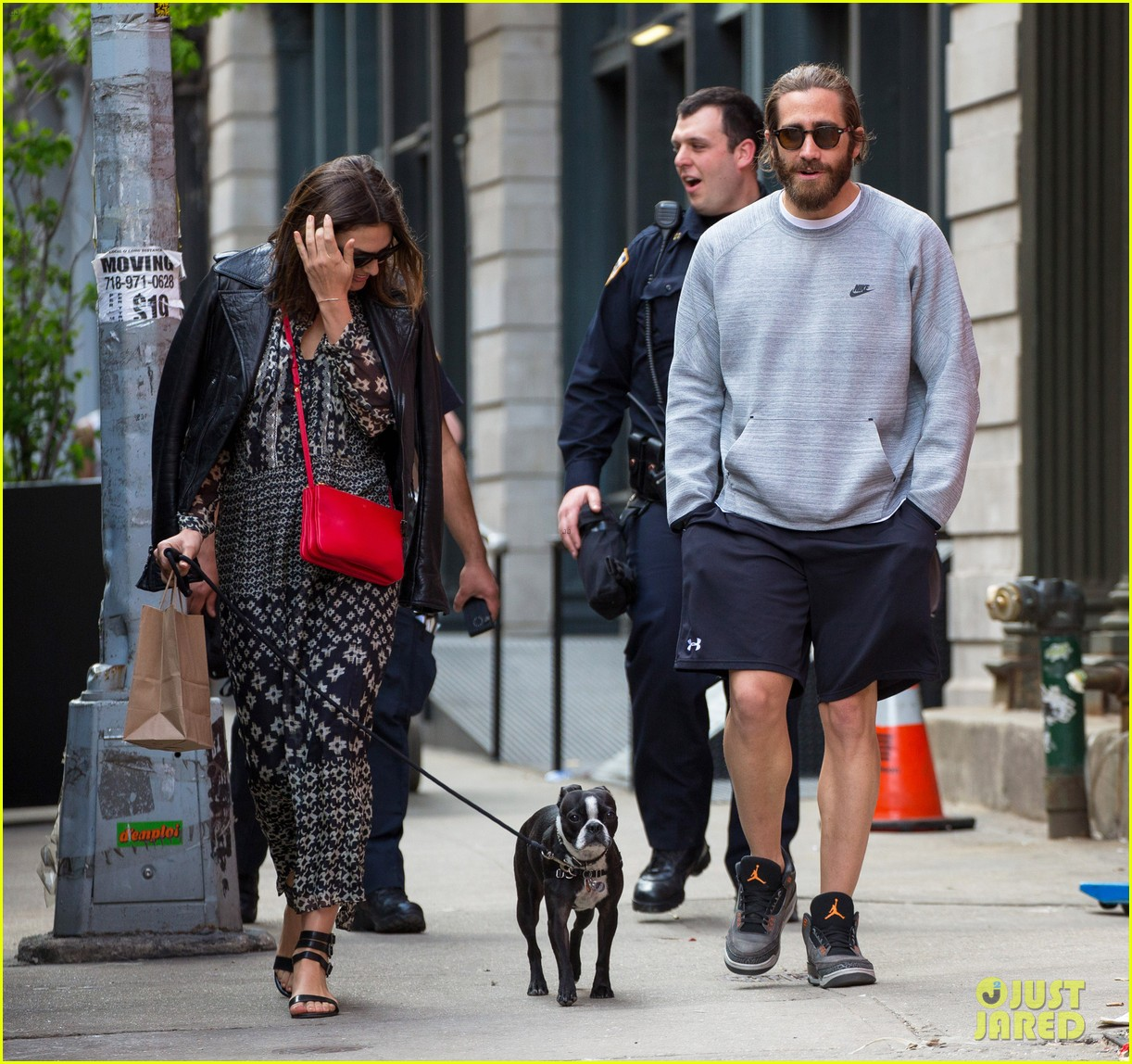 jake gyllenhaal alyssa miller first spotting in months 14
