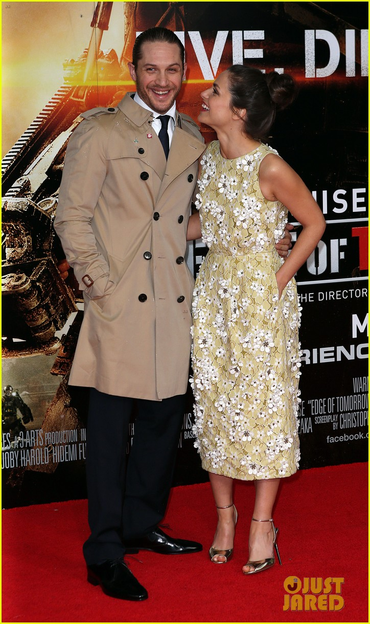 tom hardy supports girlfriend charlotte riley at edge of tomorrow london premiere 06