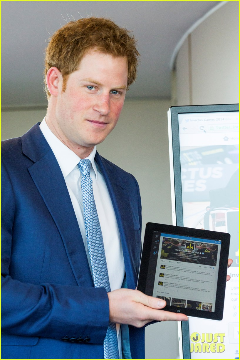 prince harry sends his first tweet ever 06
