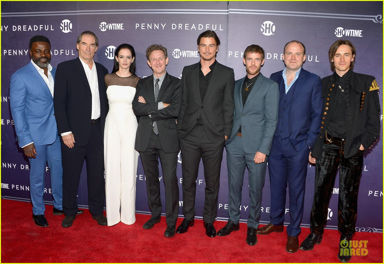 josh hartnett eva green combat penny dreadful premiere 103107157