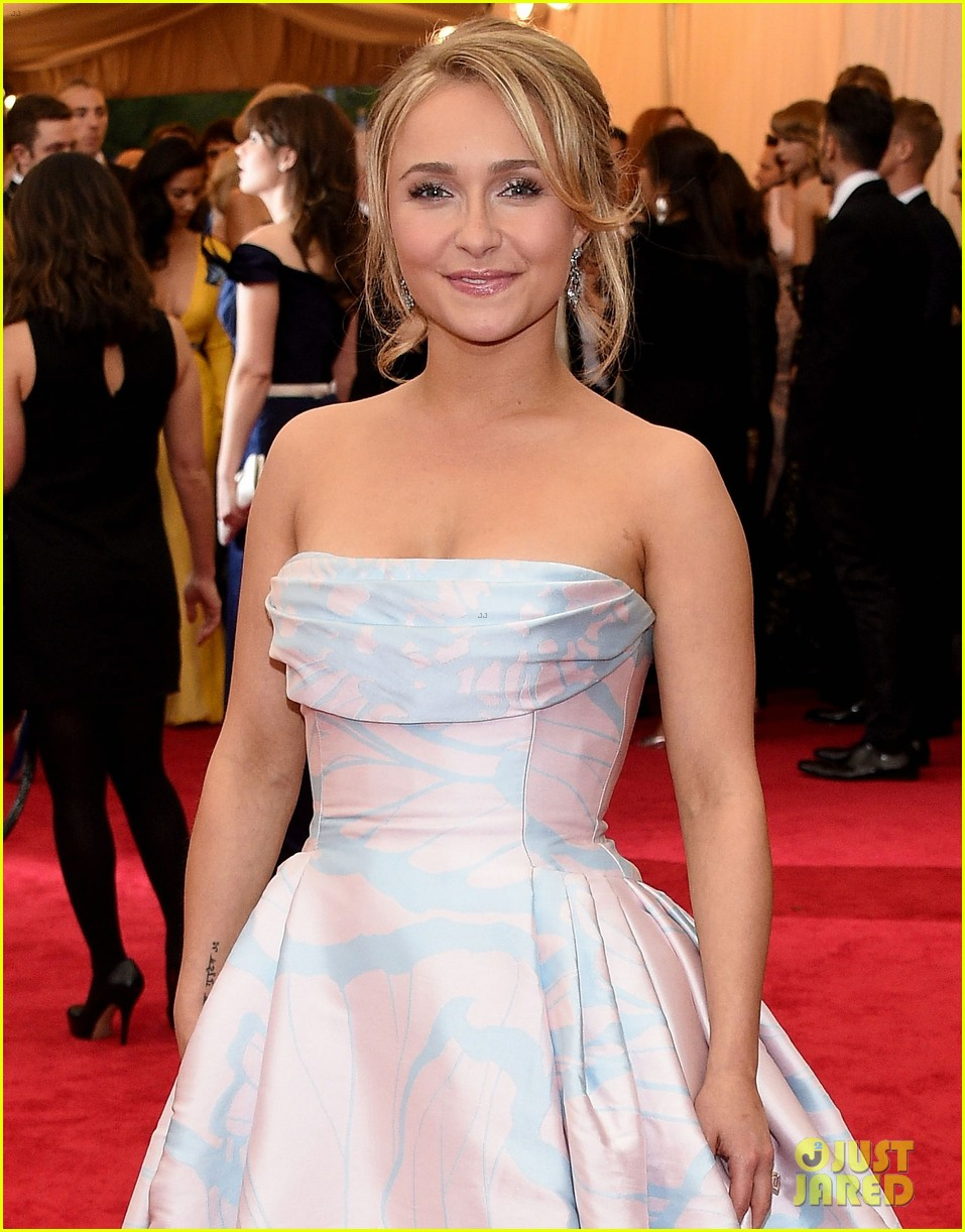 hayden panettiere met ball 2014 red carpet 053106203
