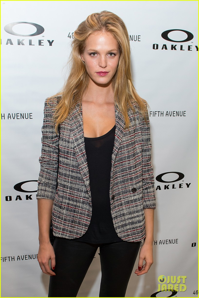 erin heatherton tries on some sleek shades oakley store opening 053103764