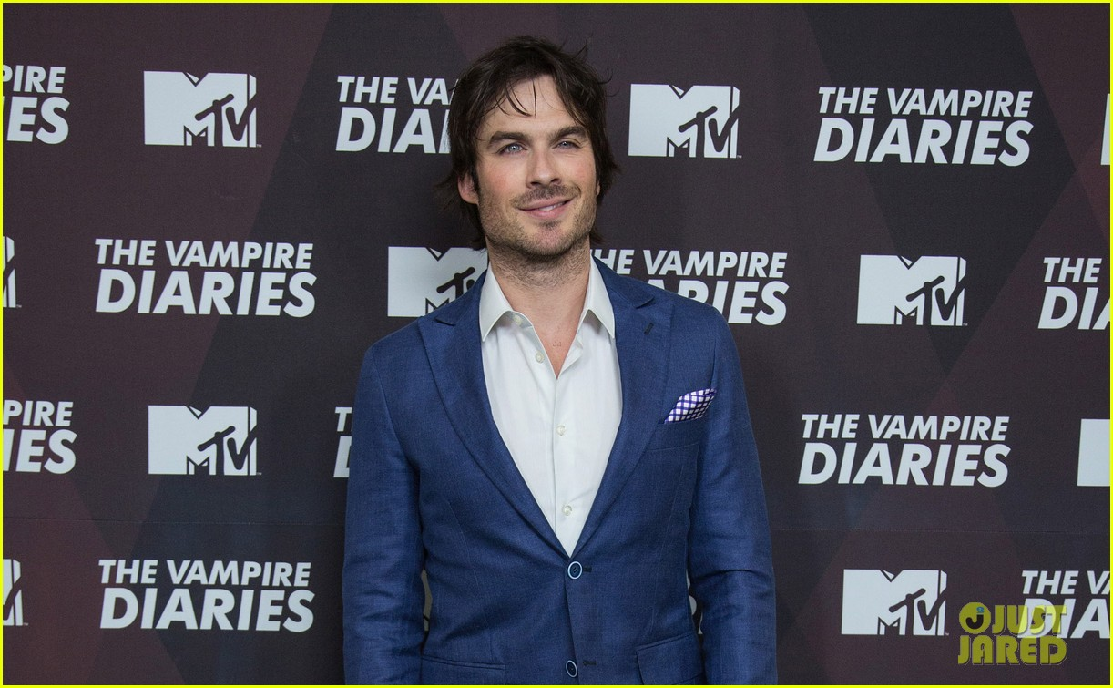 ian somerhalder handsome as ever in mexico city 02