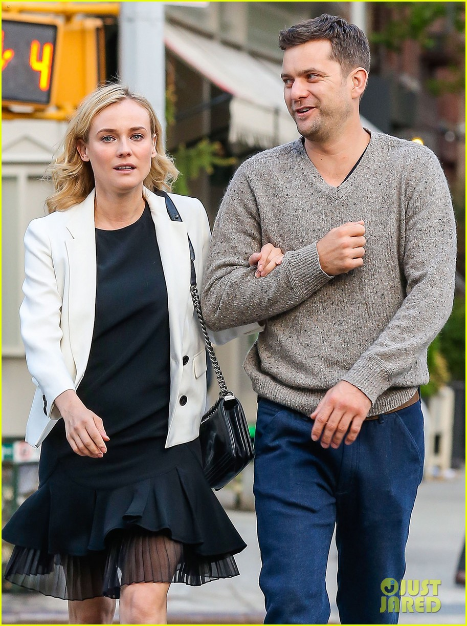 joshua jackson diane kruger walk arm in arm in big apple 063104794