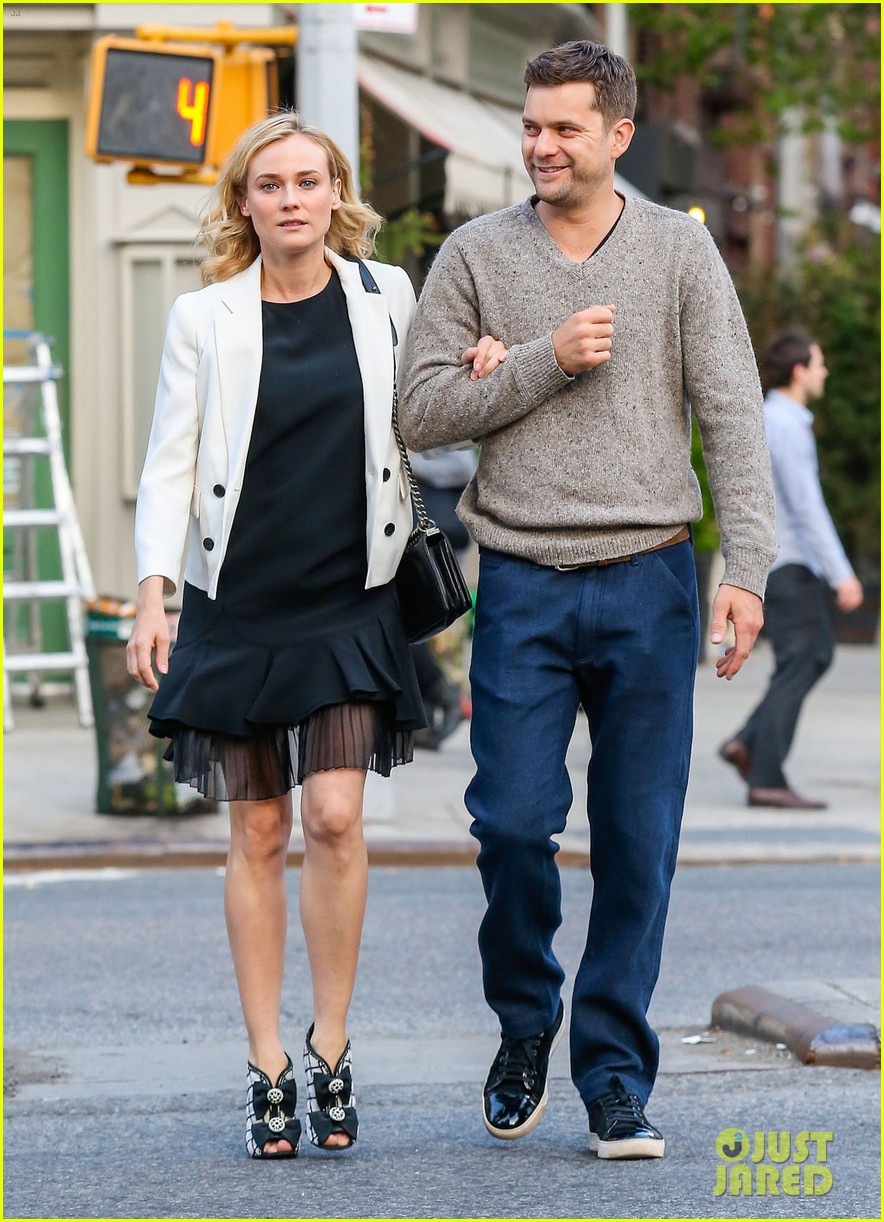 joshua jackson diane kruger walk arm in arm in big apple 07
