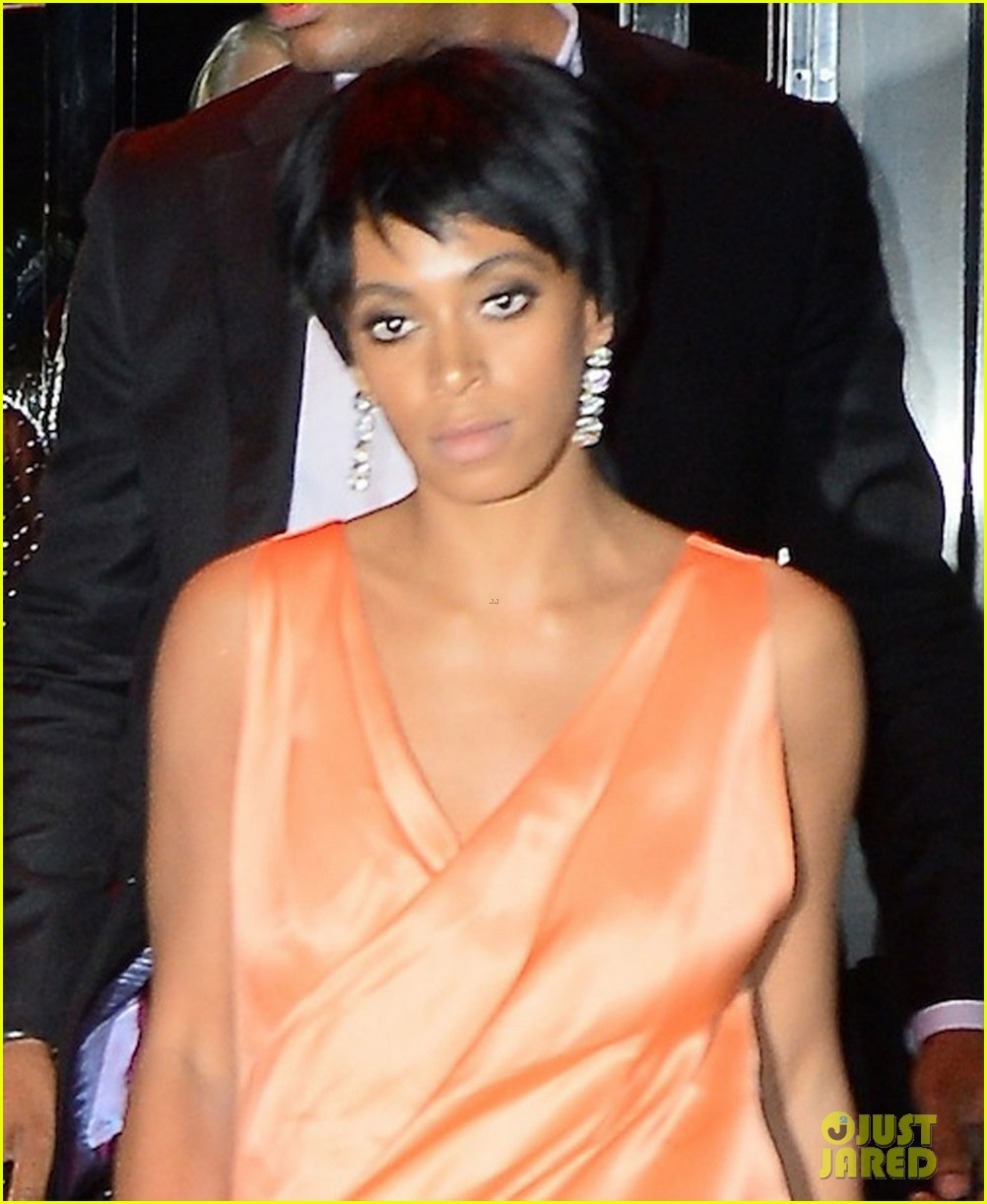 jay z leaves separately from beyonce solange 02