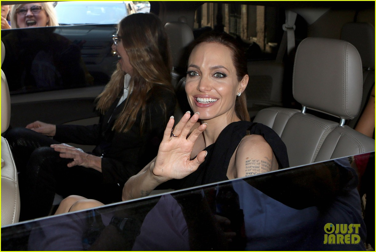 angelina jolie supports brad pitt make it right gala 043116142