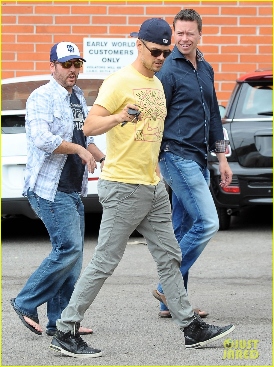 josh duhamel taylor kitsch la kings game 08