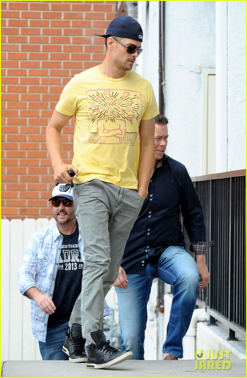 josh duhamel taylor kitsch la kings game 13