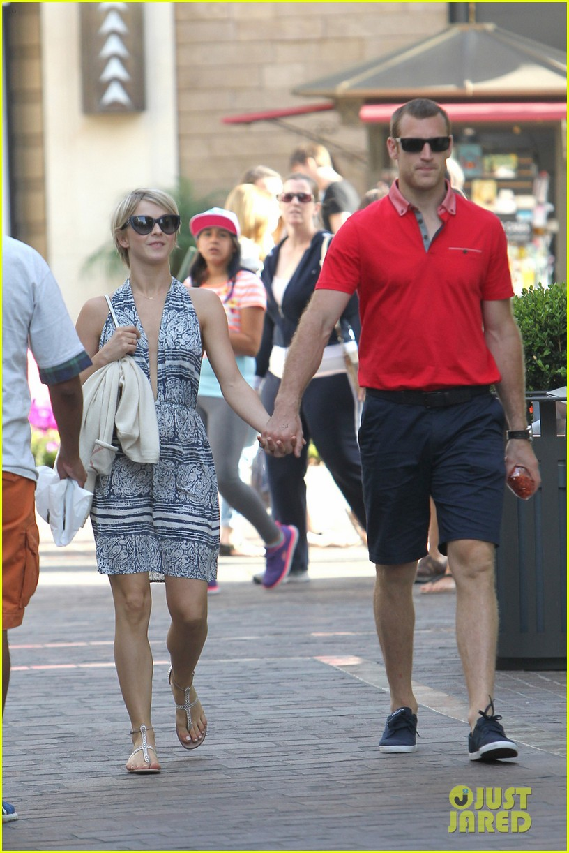 julianne hough brooks laich movie date 053117360