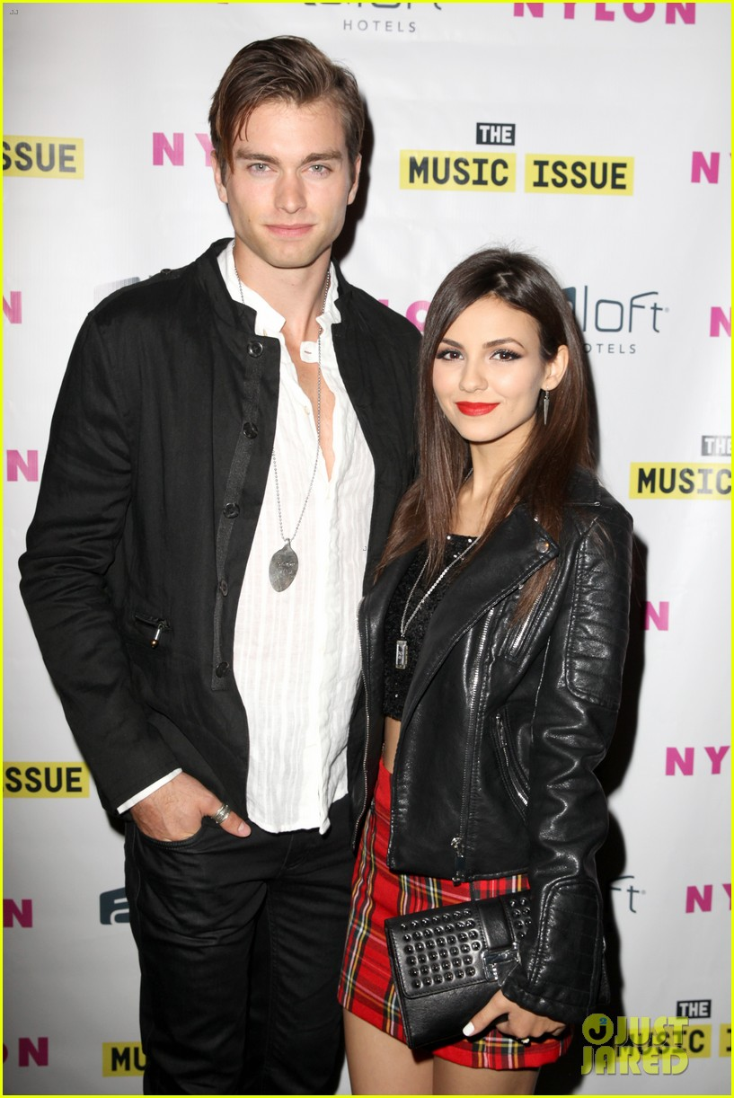 victoria justice joins joe jonas at nylons music issue party 01