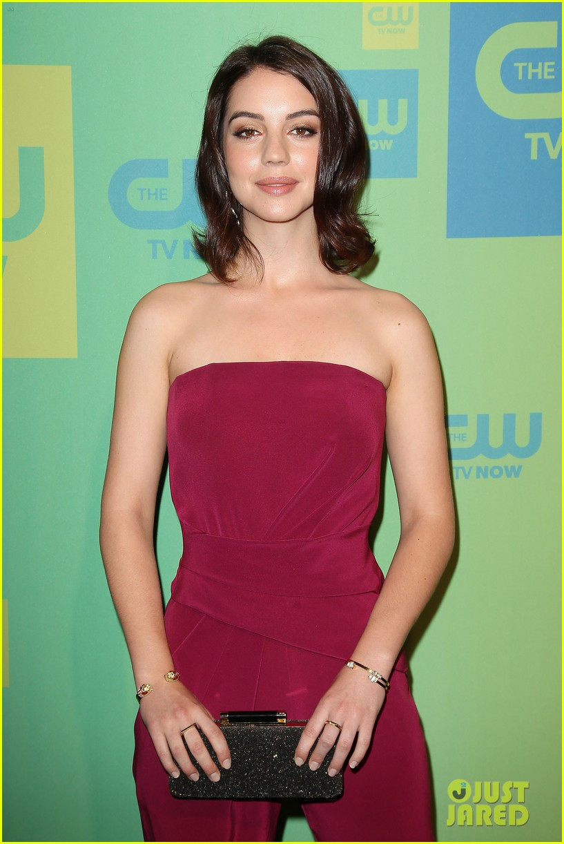 adelaide kane reigns supreme at cw upfront 2014 08