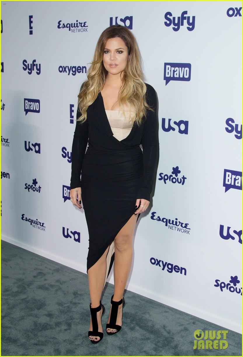 kim kardashian flashes major cleavage at nbcu upfronts 12