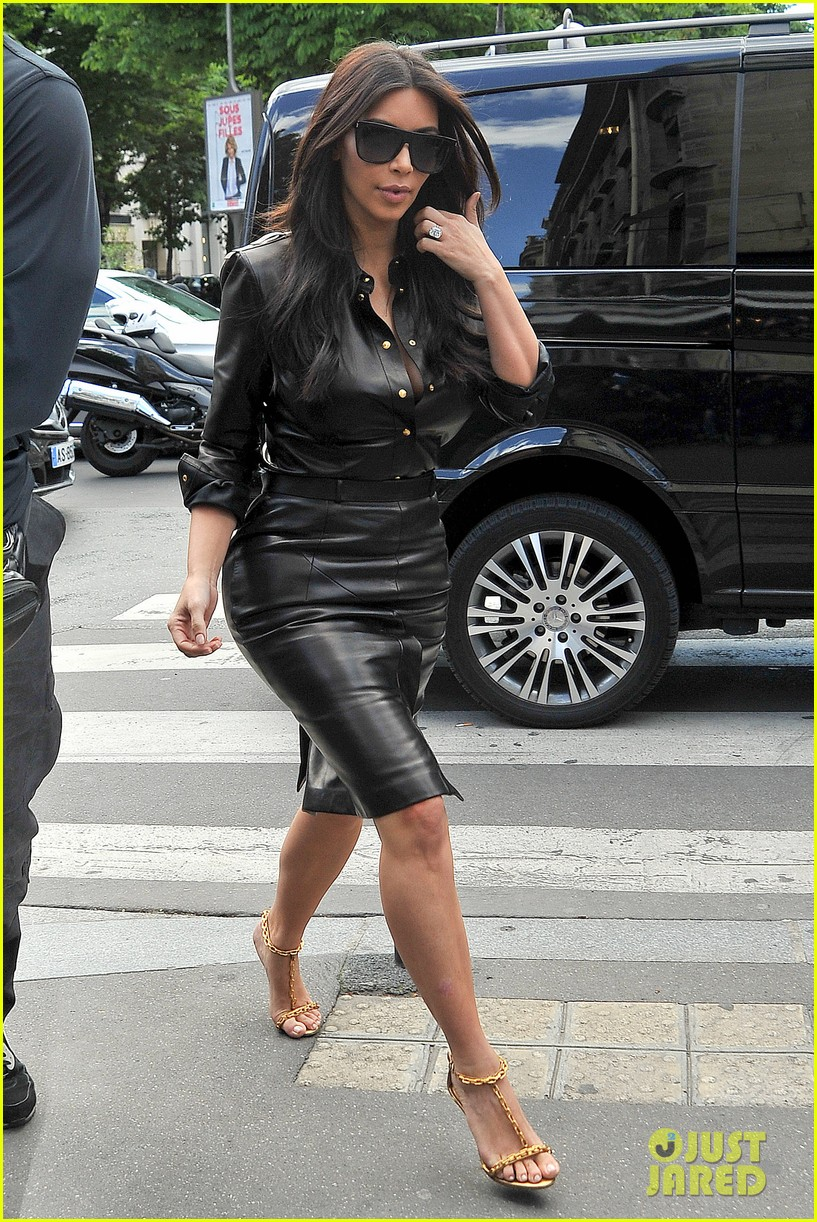 kim kardashian wears tight leather dress for pre wedding shopping 093119796