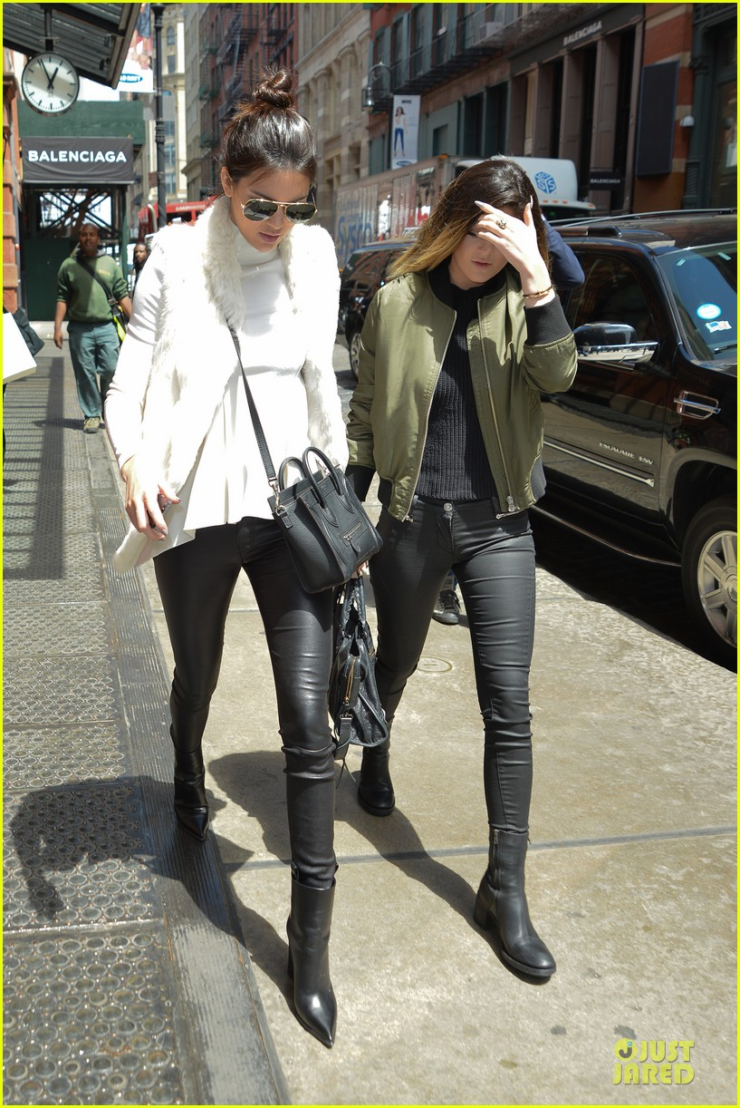 kendall kylie jenner boots in soho 083107512