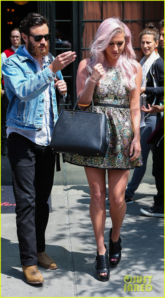 kesha new boyfriend continue their new york city getaway 033124550
