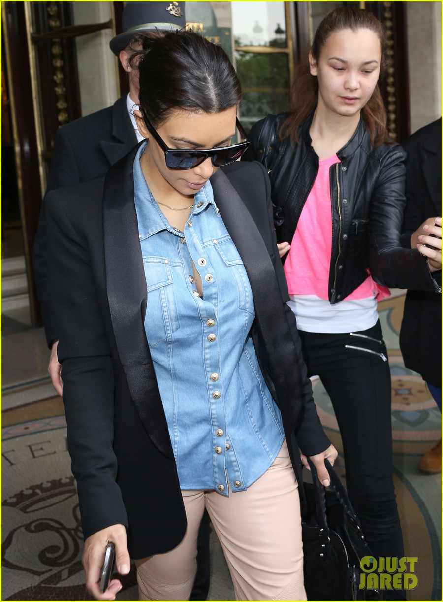 kim kardashian wears same shirt two days in a row after wedding dress shopping 04
