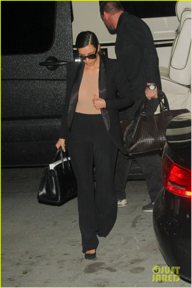 kim kardashian kanye west arrive in nyc after wedding rumors 153105350