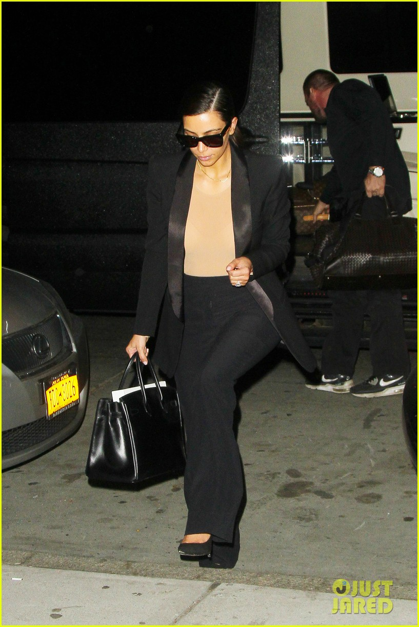 kim kardashian kanye west arrive in nyc after wedding rumors 28