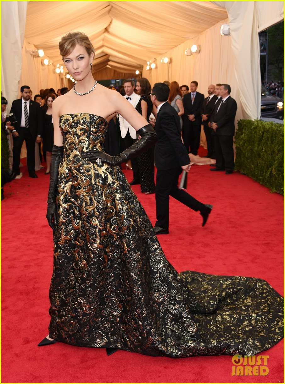 karlie kloss is gold lame gorgeous at met ball 2014 03