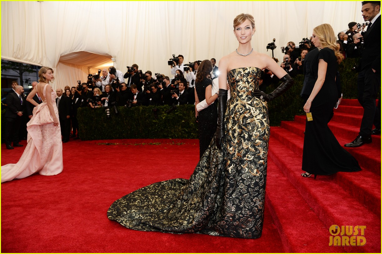 karlie kloss is gold lame gorgeous at met ball 2014 05