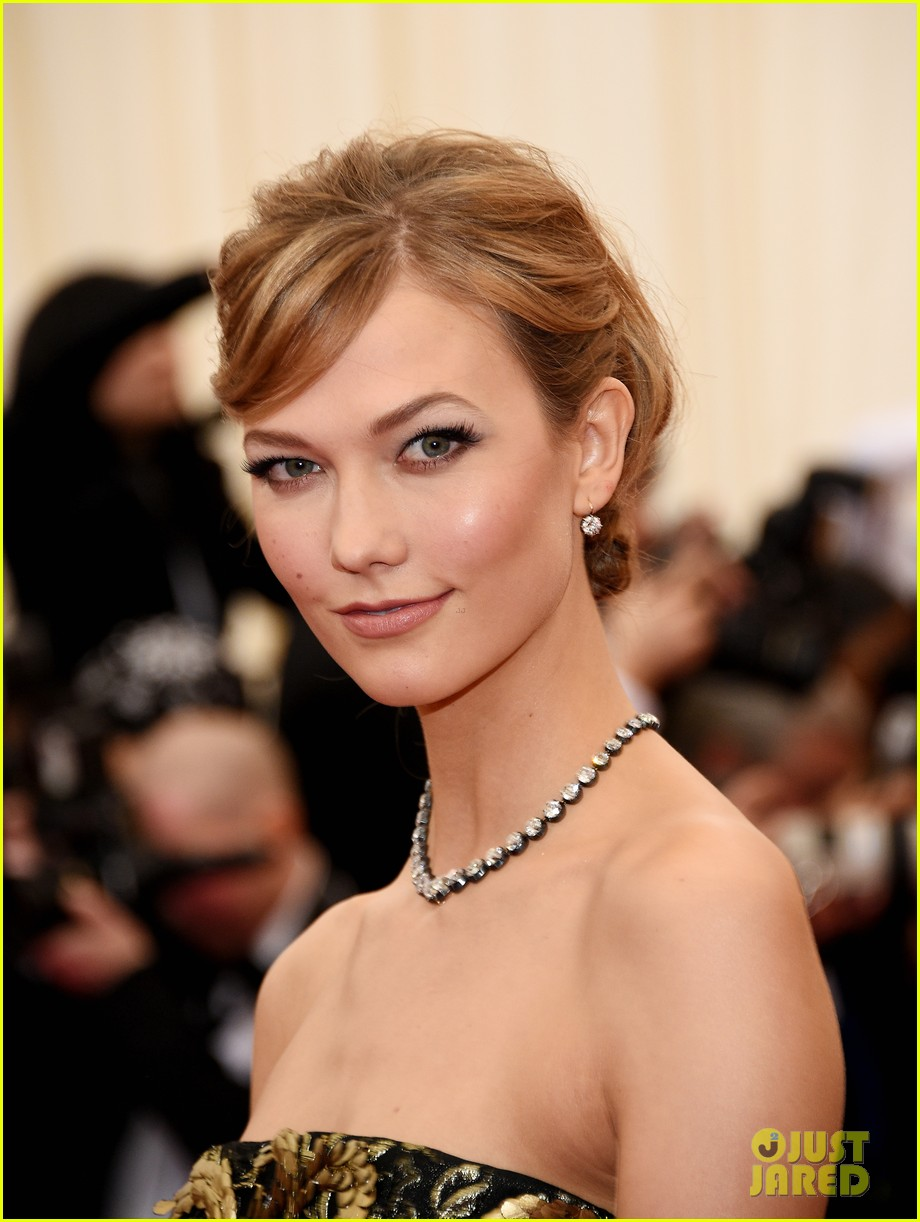 karlie kloss is gold lame gorgeous at met ball 2014 07