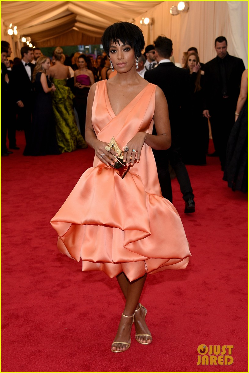 solange knowles debuts pixie hairdo at met ball 2014 013106421