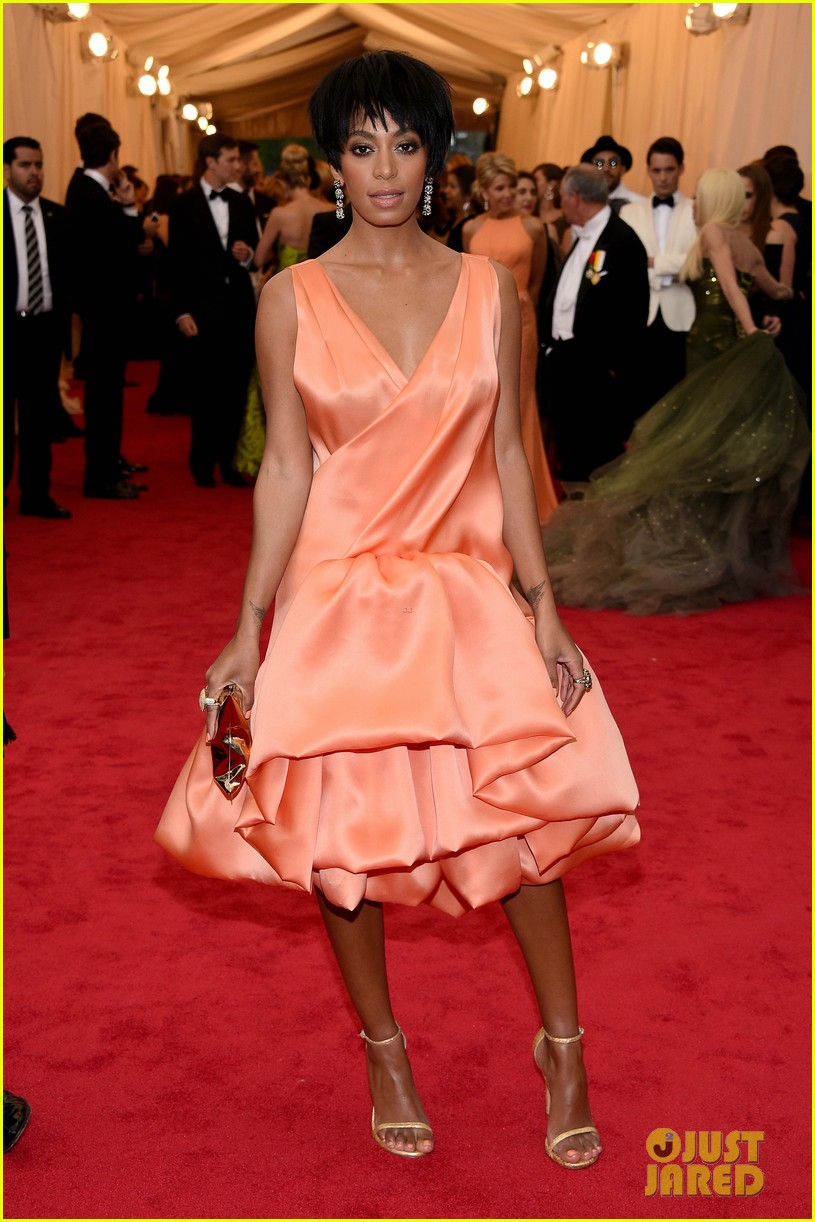 solange knowles debuts pixie hairdo at met ball 2014 023106422