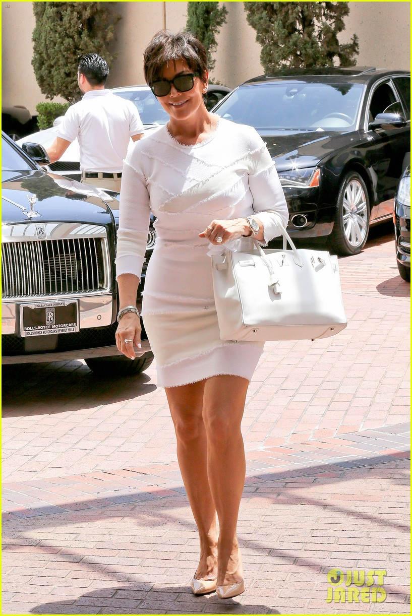 kourtney kardashian kris jenner attend kims bridal shower 053110249