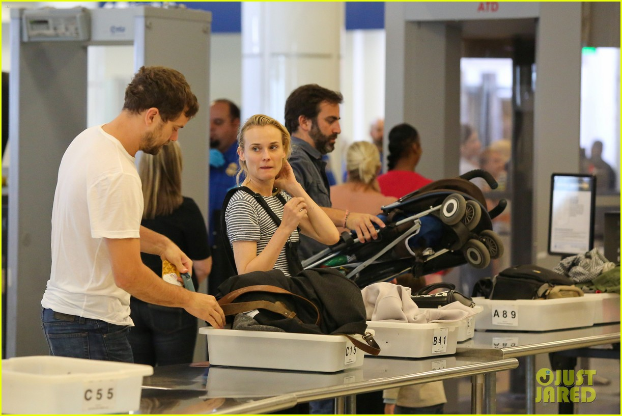 diane kruger joshua jackson take flight at lax 053103186