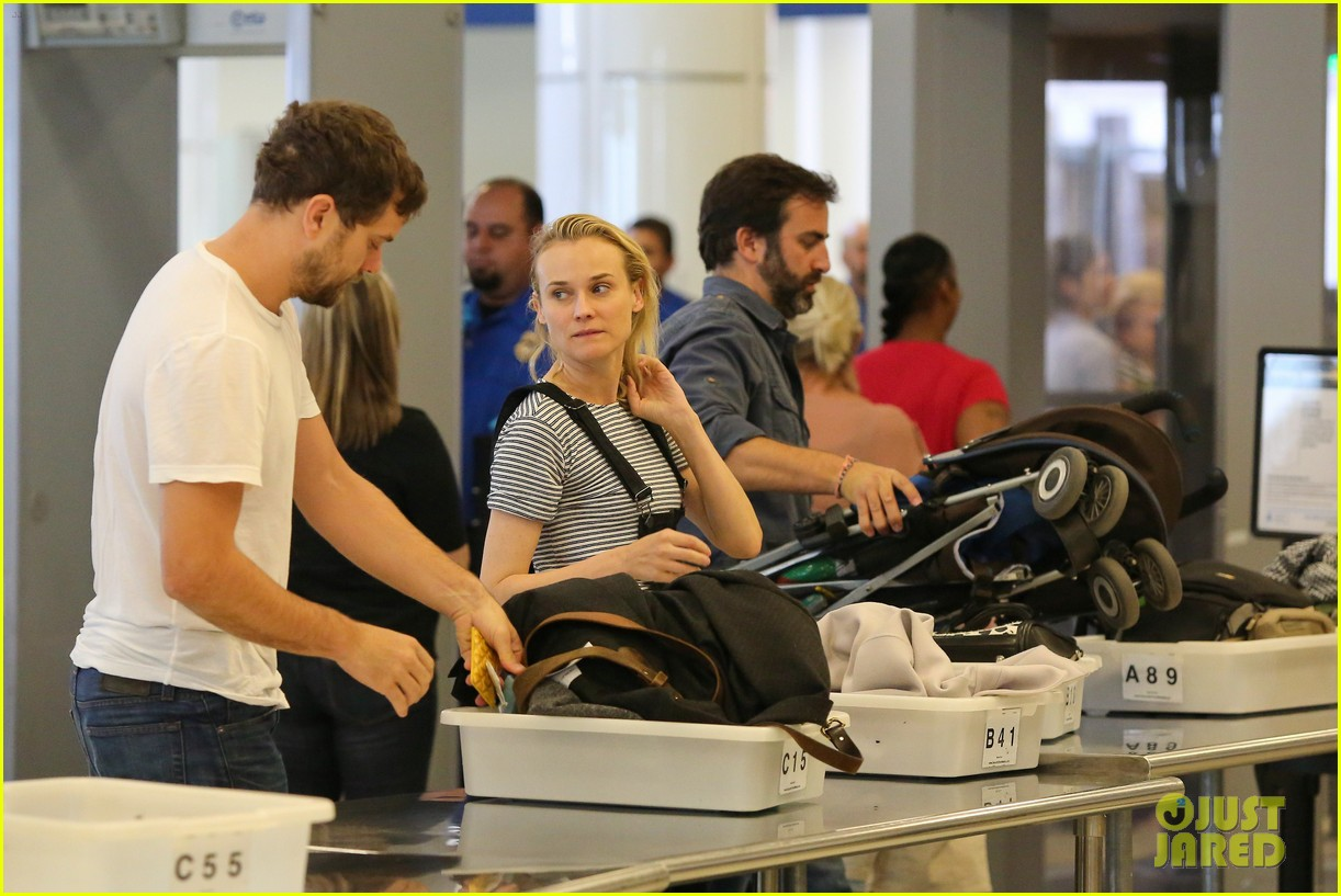 diane kruger joshua jackson take flight at lax 08