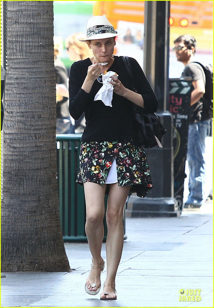 diane kruger eating yogurt look stylish 063123486
